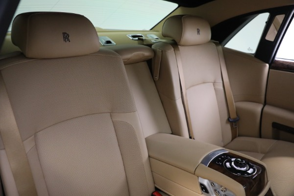 Used 2011 Rolls-Royce Ghost for sale Call for price at Rolls-Royce Motor Cars Greenwich in Greenwich CT 06830 17