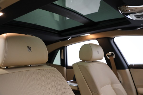 Used 2011 Rolls-Royce Ghost for sale Call for price at Rolls-Royce Motor Cars Greenwich in Greenwich CT 06830 22