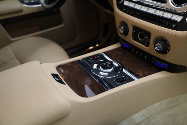 Used 2011 Rolls-Royce Ghost for sale Call for price at Rolls-Royce Motor Cars Greenwich in Greenwich CT 06830 23