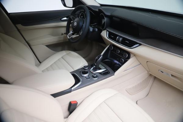 New 2021 Alfa Romeo Stelvio Ti Q4 for sale $54,755 at Rolls-Royce Motor Cars Greenwich in Greenwich CT 06830 19