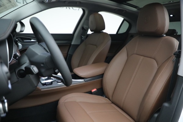 New 2021 Alfa Romeo Stelvio Ti Q4 for sale $54,840 at Rolls-Royce Motor Cars Greenwich in Greenwich CT 06830 15
