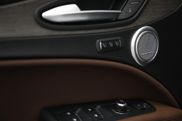 New 2021 Alfa Romeo Stelvio Ti Q4 for sale $54,840 at Rolls-Royce Motor Cars Greenwich in Greenwich CT 06830 20