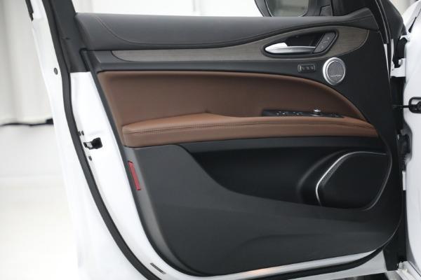 New 2021 Alfa Romeo Stelvio Ti Q4 for sale $54,840 at Rolls-Royce Motor Cars Greenwich in Greenwich CT 06830 21