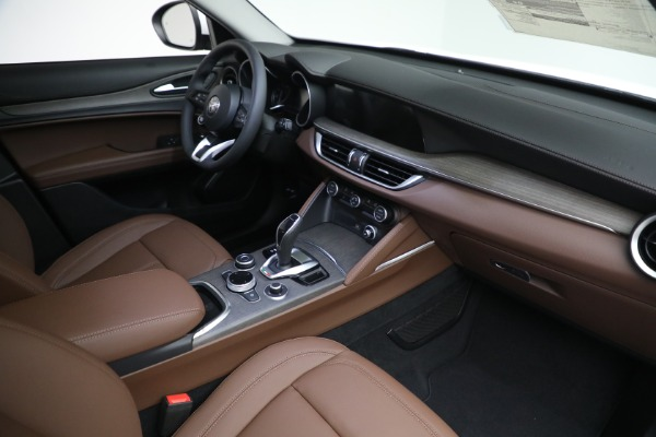 New 2021 Alfa Romeo Stelvio Ti Q4 for sale $54,840 at Rolls-Royce Motor Cars Greenwich in Greenwich CT 06830 27