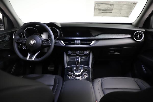 New 2021 Alfa Romeo Stelvio Q4 for sale $50,535 at Rolls-Royce Motor Cars Greenwich in Greenwich CT 06830 19