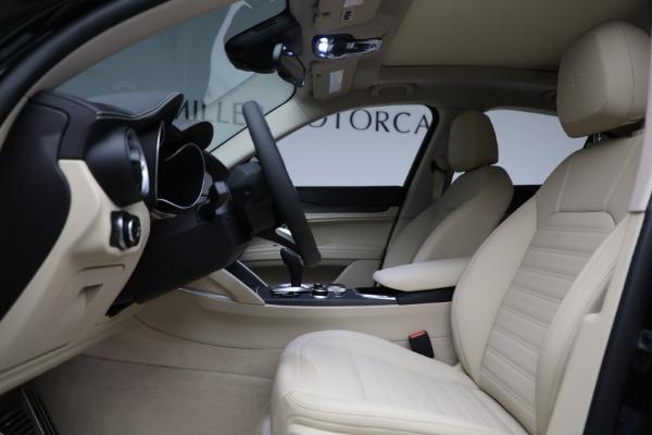New 2021 Alfa Romeo Stelvio Ti Q4 for sale $55,205 at Rolls-Royce Motor Cars Greenwich in Greenwich CT 06830 14