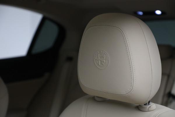 New 2021 Alfa Romeo Stelvio Ti Q4 for sale $55,205 at Rolls-Royce Motor Cars Greenwich in Greenwich CT 06830 16