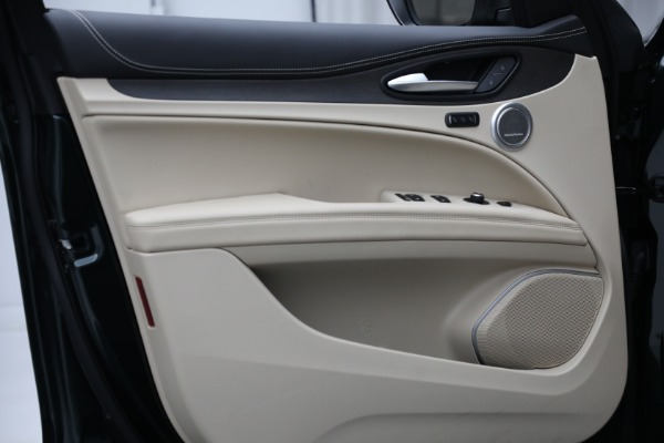 New 2021 Alfa Romeo Stelvio Ti Q4 for sale $55,205 at Rolls-Royce Motor Cars Greenwich in Greenwich CT 06830 17