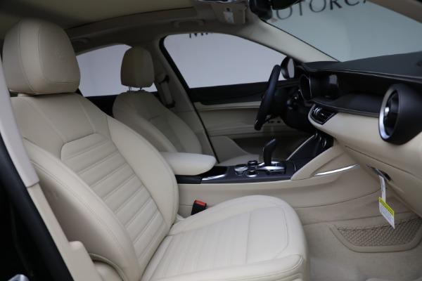 New 2021 Alfa Romeo Stelvio Ti Q4 for sale $55,205 at Rolls-Royce Motor Cars Greenwich in Greenwich CT 06830 28
