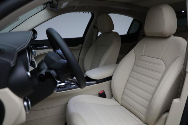 New 2021 Alfa Romeo Stelvio Ti Q4 for sale $57,400 at Rolls-Royce Motor Cars Greenwich in Greenwich CT 06830 17