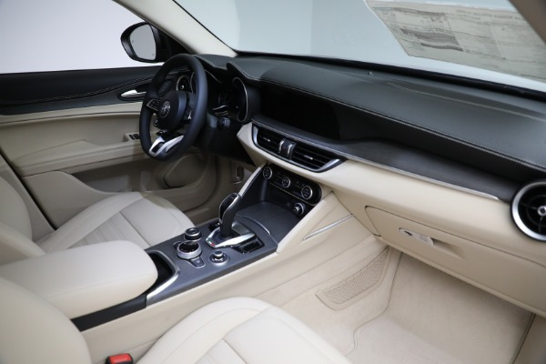 New 2021 Alfa Romeo Stelvio Ti Q4 for sale $57,400 at Rolls-Royce Motor Cars Greenwich in Greenwich CT 06830 28