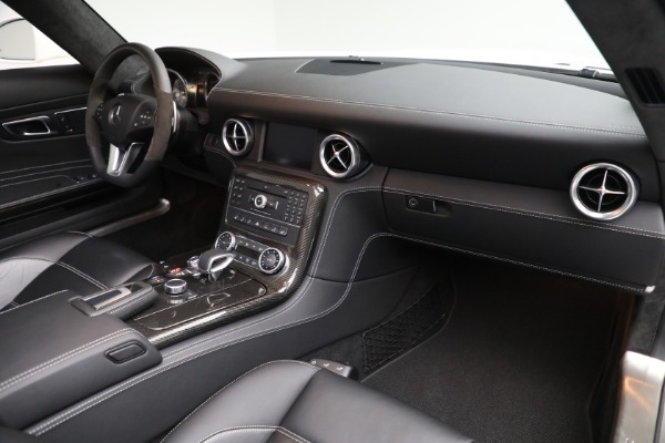 Used 2012 Mercedes-Benz SLS AMG for sale $159,900 at Rolls-Royce Motor Cars Greenwich in Greenwich CT 06830 18