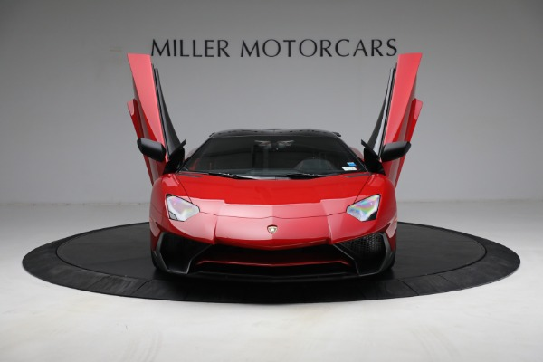Used 2017 Lamborghini Aventador LP 750-4 SV for sale $599,900 at Rolls-Royce Motor Cars Greenwich in Greenwich CT 06830 14