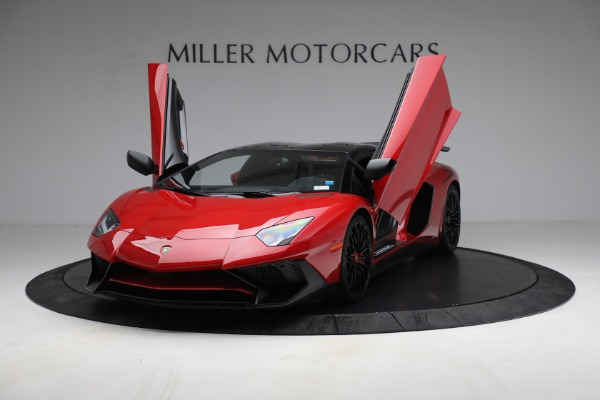 Used 2017 Lamborghini Aventador LP 750-4 SV for sale $599,900 at Rolls-Royce Motor Cars Greenwich in Greenwich CT 06830 15