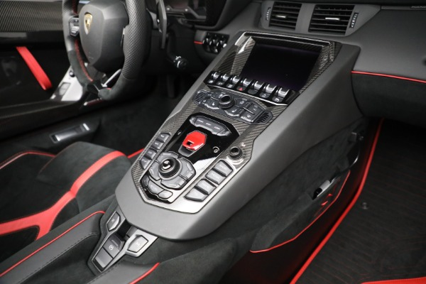 Used 2017 Lamborghini Aventador LP 750-4 SV for sale $599,900 at Rolls-Royce Motor Cars Greenwich in Greenwich CT 06830 25