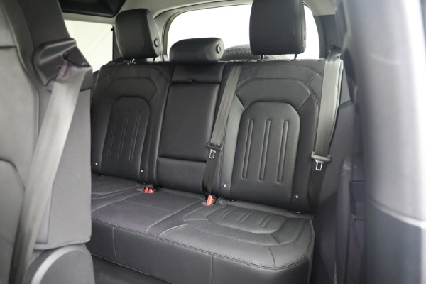 Used 2021 Land Rover Defender 90 First Edition for sale $69,900 at Rolls-Royce Motor Cars Greenwich in Greenwich CT 06830 19