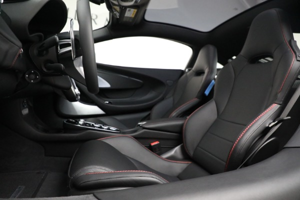 New 2021 McLaren GT Luxe for sale $217,275 at Rolls-Royce Motor Cars Greenwich in Greenwich CT 06830 20