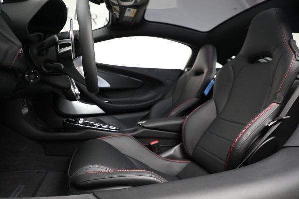 New 2021 McLaren GT for sale $217,275 at Rolls-Royce Motor Cars Greenwich in Greenwich CT 06830 20