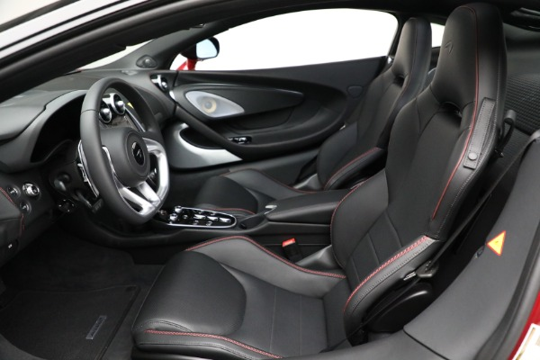 New 2021 McLaren GT Luxe for sale $217,275 at Rolls-Royce Motor Cars Greenwich in Greenwich CT 06830 21