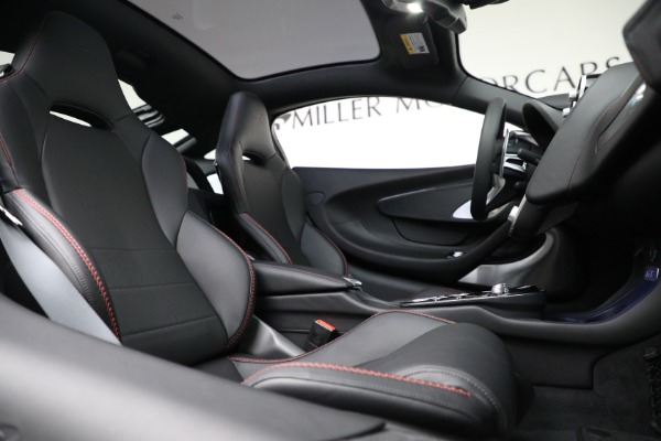 New 2021 McLaren GT Luxe for sale $217,275 at Rolls-Royce Motor Cars Greenwich in Greenwich CT 06830 23