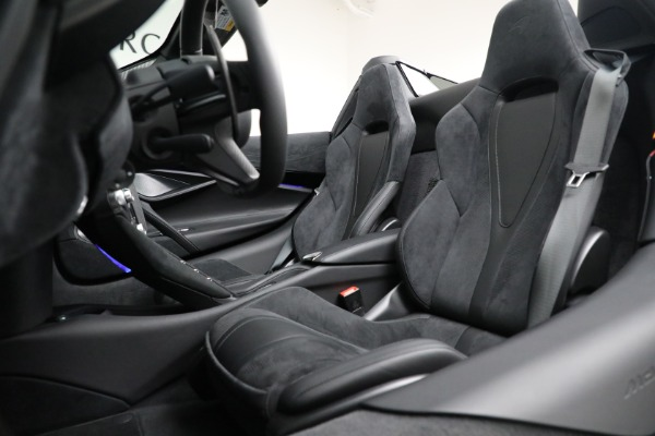 Used 2020 McLaren 720S Spider for sale $349,900 at Rolls-Royce Motor Cars Greenwich in Greenwich CT 06830 26