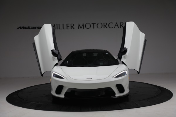 New 2021 McLaren GT Luxe for sale $217,205 at Rolls-Royce Motor Cars Greenwich in Greenwich CT 06830 13