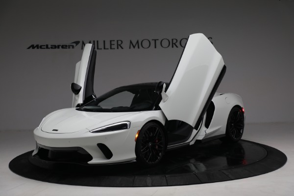 New 2021 McLaren GT Luxe for sale $217,205 at Rolls-Royce Motor Cars Greenwich in Greenwich CT 06830 14