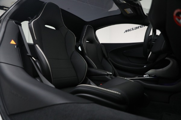 New 2021 McLaren GT Luxe for sale $217,205 at Rolls-Royce Motor Cars Greenwich in Greenwich CT 06830 23