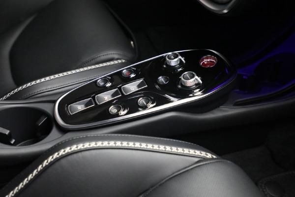 New 2021 McLaren GT Luxe for sale $217,205 at Rolls-Royce Motor Cars Greenwich in Greenwich CT 06830 25
