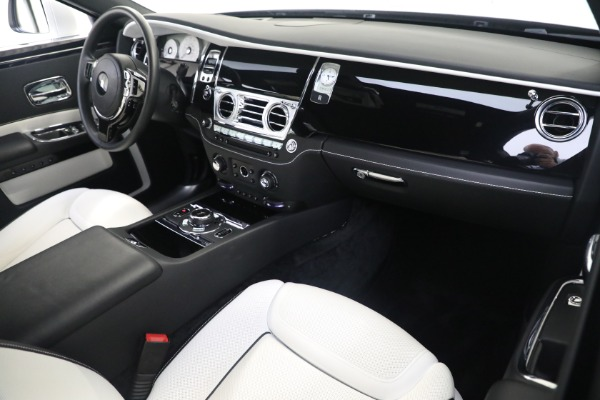 Used 2017 Rolls-Royce Ghost for sale $219,900 at Rolls-Royce Motor Cars Greenwich in Greenwich CT 06830 12