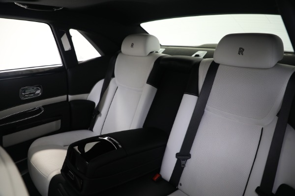 Used 2017 Rolls-Royce Ghost for sale $219,900 at Rolls-Royce Motor Cars Greenwich in Greenwich CT 06830 15