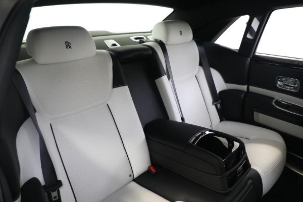 Used 2017 Rolls-Royce Ghost for sale $219,900 at Rolls-Royce Motor Cars Greenwich in Greenwich CT 06830 16