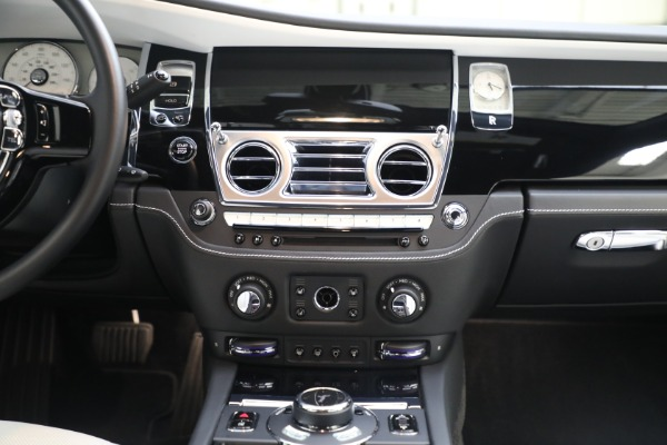 Used 2017 Rolls-Royce Ghost for sale $219,900 at Rolls-Royce Motor Cars Greenwich in Greenwich CT 06830 23