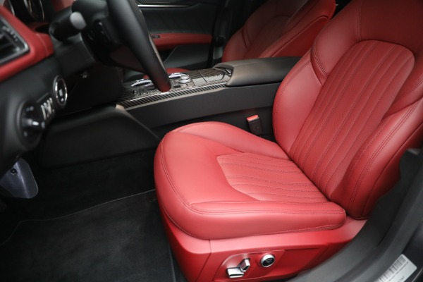 New 2021 Maserati Ghibli SQ4 GranLusso for sale Sold at Rolls-Royce Motor Cars Greenwich in Greenwich CT 06830 15