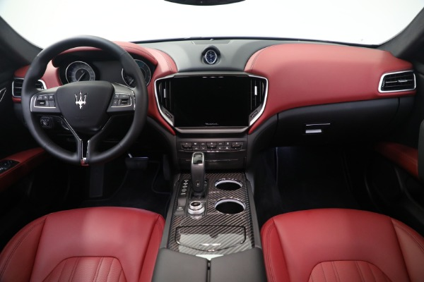 New 2021 Maserati Ghibli SQ4 GranLusso for sale Sold at Rolls-Royce Motor Cars Greenwich in Greenwich CT 06830 16