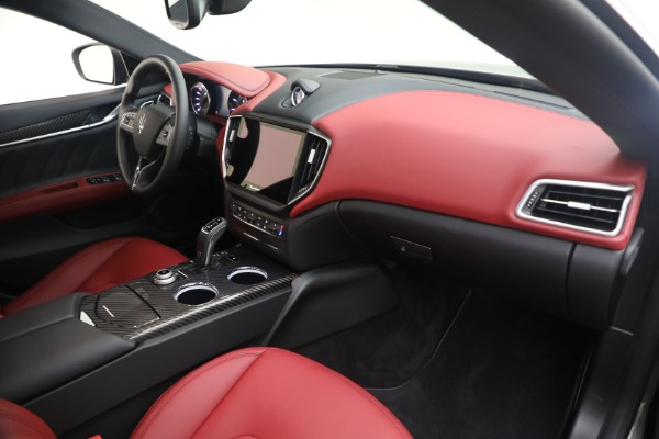 New 2021 Maserati Ghibli SQ4 GranLusso for sale Sold at Rolls-Royce Motor Cars Greenwich in Greenwich CT 06830 21