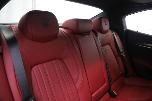 New 2021 Maserati Ghibli SQ4 GranLusso for sale Sold at Rolls-Royce Motor Cars Greenwich in Greenwich CT 06830 24