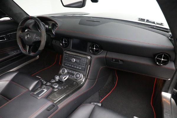 Used 2014 Mercedes-Benz SLS AMG GT for sale $159,900 at Rolls-Royce Motor Cars Greenwich in Greenwich CT 06830 20