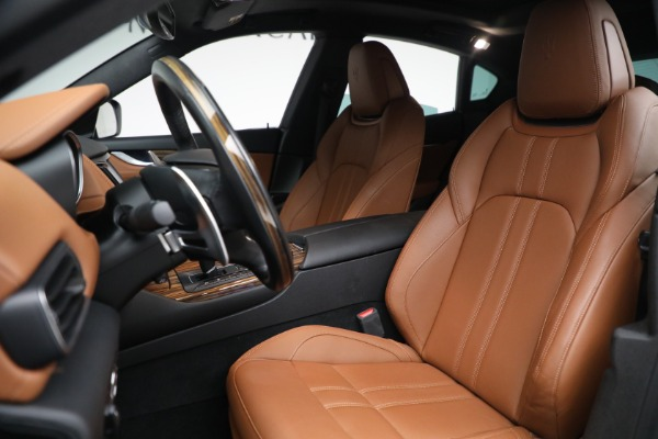 Used 2018 Maserati Levante GranSport for sale $57,900 at Rolls-Royce Motor Cars Greenwich in Greenwich CT 06830 15