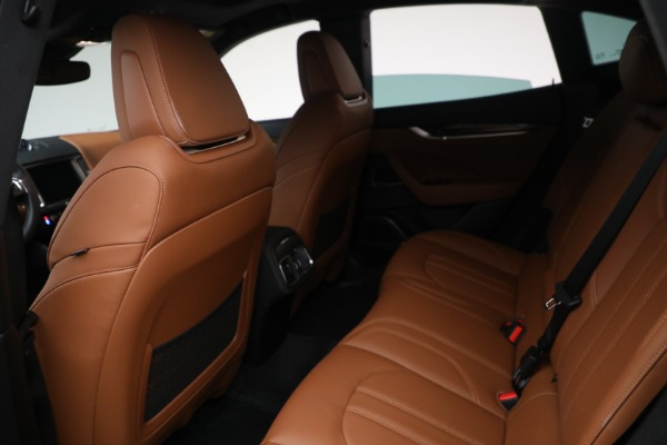 Used 2018 Maserati Levante GranSport for sale $57,900 at Rolls-Royce Motor Cars Greenwich in Greenwich CT 06830 21
