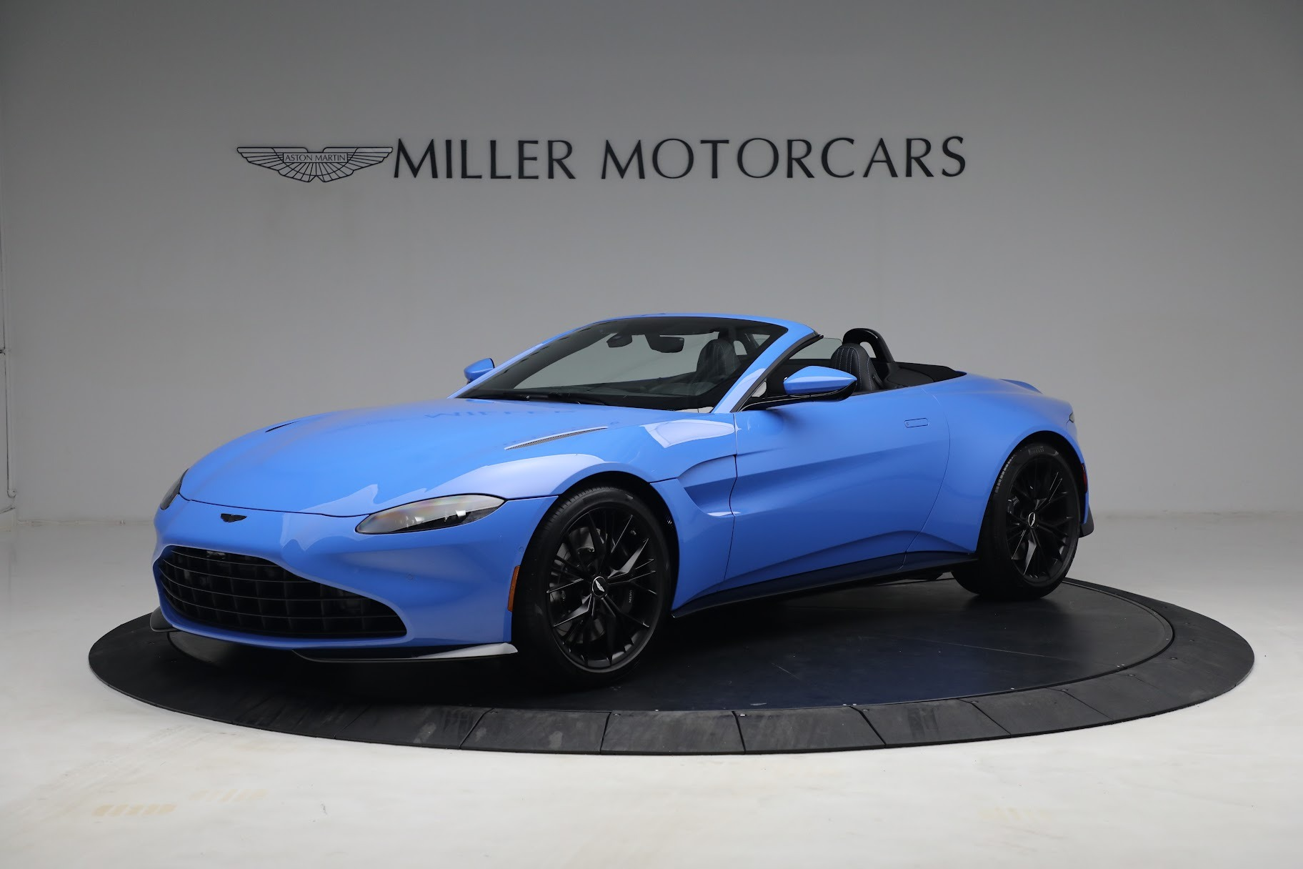 New 2021 Aston Martin Vantage Roadster for sale $186,386 at Rolls-Royce Motor Cars Greenwich in Greenwich CT 06830 1