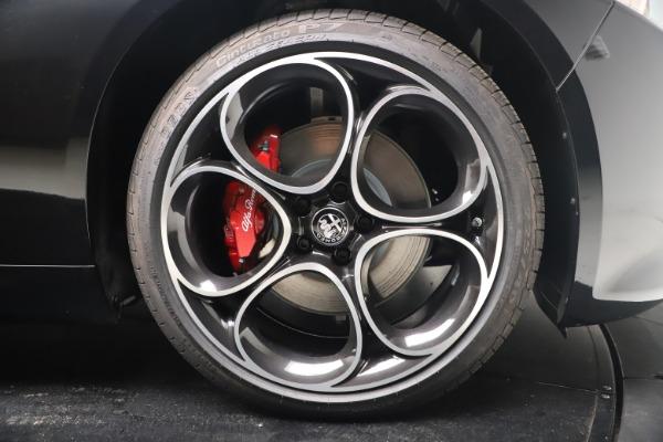 New 2022 Alfa Romeo Giulia Veloce for sale $52,045 at Rolls-Royce Motor Cars Greenwich in Greenwich CT 06830 22