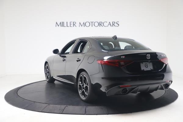 New 2022 Alfa Romeo Giulia Veloce for sale $52,045 at Rolls-Royce Motor Cars Greenwich in Greenwich CT 06830 5