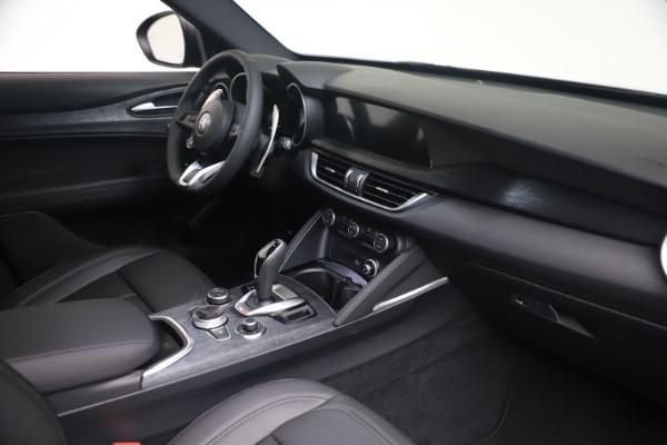 New 2022 Alfa Romeo Stelvio Sprint for sale $52,305 at Rolls-Royce Motor Cars Greenwich in Greenwich CT 06830 18