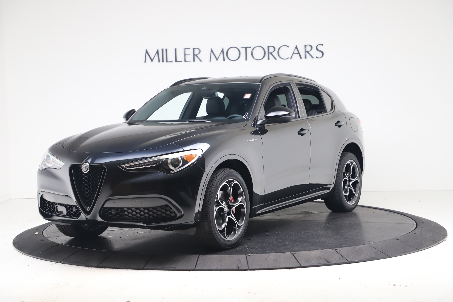 New 2022 Alfa Romeo Stelvio Veloce for sale $55,155 at Rolls-Royce Motor Cars Greenwich in Greenwich CT 06830 1
