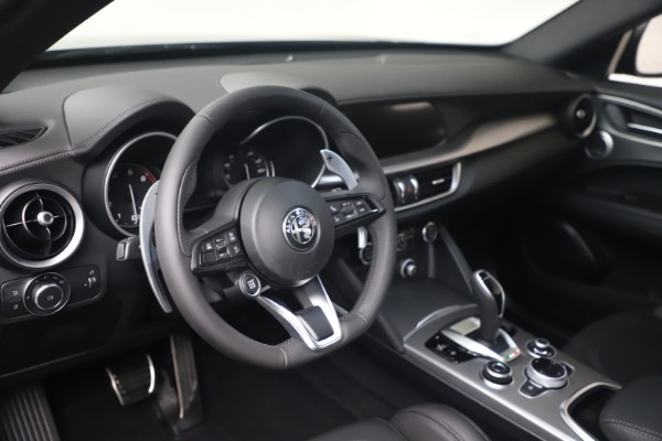 New 2022 Alfa Romeo Stelvio Veloce for sale $57,405 at Rolls-Royce Motor Cars Greenwich in Greenwich CT 06830 13