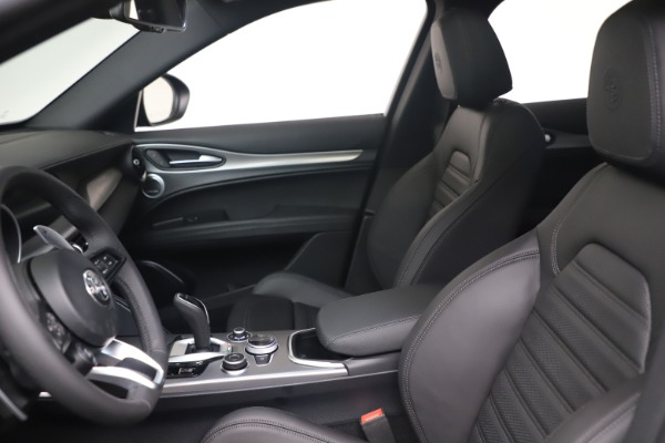 New 2022 Alfa Romeo Stelvio Veloce for sale $57,405 at Rolls-Royce Motor Cars Greenwich in Greenwich CT 06830 14