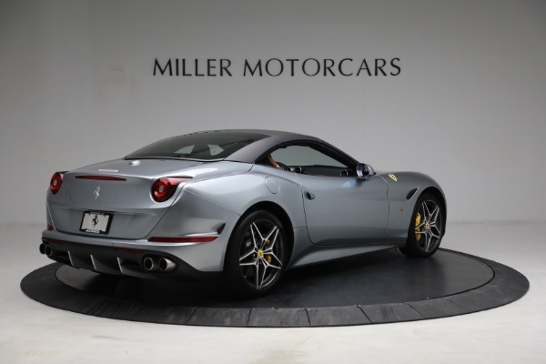 Used 2017 Ferrari California T for sale Call for price at Rolls-Royce Motor Cars Greenwich in Greenwich CT 06830 20