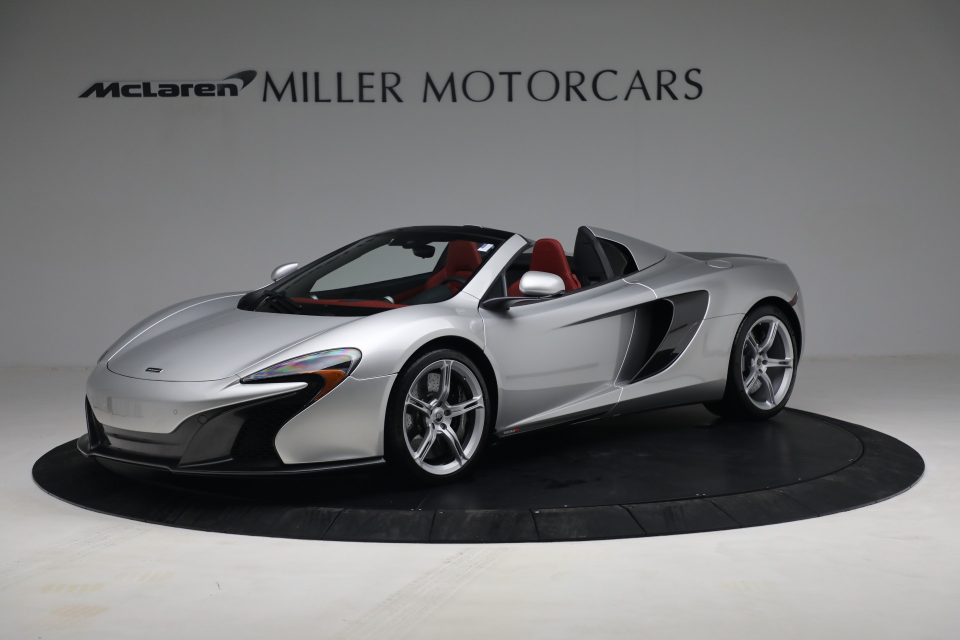 Used 2015 McLaren 650S Spider for sale $179,990 at Rolls-Royce Motor Cars Greenwich in Greenwich CT 06830 1