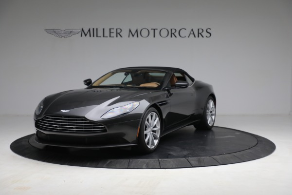 Used 2019 Aston Martin DB11 Volante for sale $212,990 at Rolls-Royce Motor Cars Greenwich in Greenwich CT 06830 14